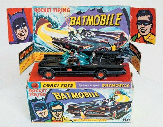 Batmobile en métal de 1966. Estimation : 1 000 euros. (HÔTEL DROUOT)