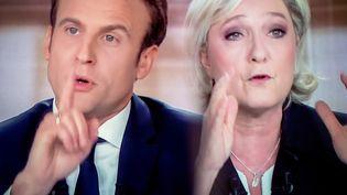 Emmanuel Macron et Marine Le Pen lors du débat d'entre-deux-tours. (AURELIEN MORISSARD / MAXPPP)