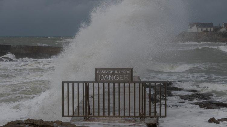 La tempête Alex touche la ville de Batz-sur-Mer, en Loire-Atlantique, le 2 octobre 2020. (ESTELLE RUIZ / HANS LUCAS / AFP)