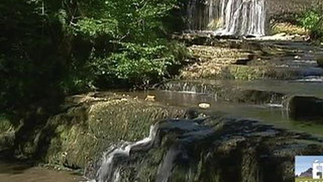 Découvrez les cascades du Hérisson dans le Jura