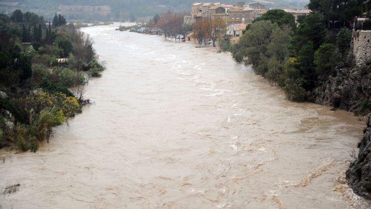 La rivière La Berre, en crue, à Portel-des-Corbières (Aude), le 30 novembre 2014. (ERIC CABANIS / AFP)