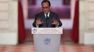 François Hollande, lundi 7 septembre 2015 lors de sa conférence de presse au palais de l'Elysée. (CHARLES PLATIAU / REUTERS)