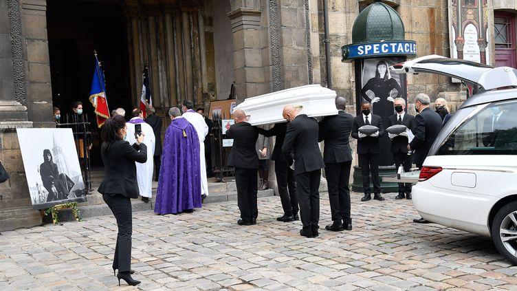 Les obsèques de Juliette Gréco en l'église de Saint-Germain des Près, à Paris, le 4 octobre 2020. (VILLARD/SIPA)