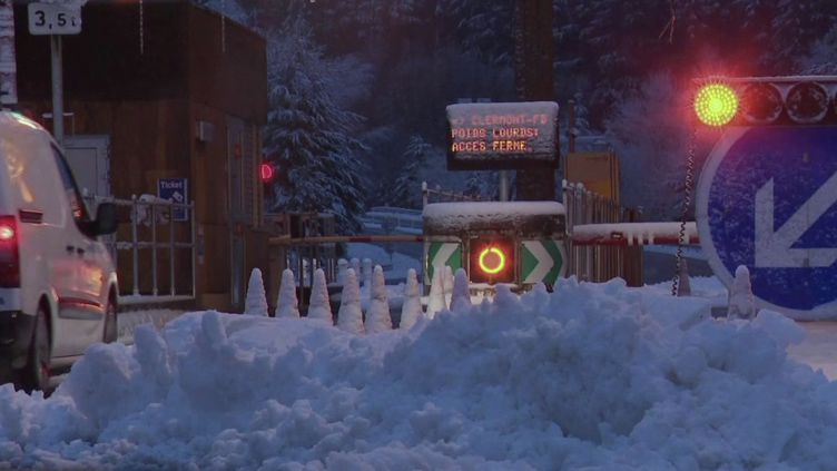 Des chutes de neige provoquées par la tempête Bella. (CAPTURE ECRAN FRANCE 2)