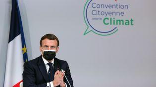 Emmanuel Macron lors de sa rencontre avec la Convention citoyenne pour le climat, lundi 14 décembre 2020. (THIBAULT CAMUS / POOL)