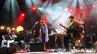 Youn Sun Nah et ses musiciens sur la scène de Jazz à Vienne  (Jean-François Lixon)
