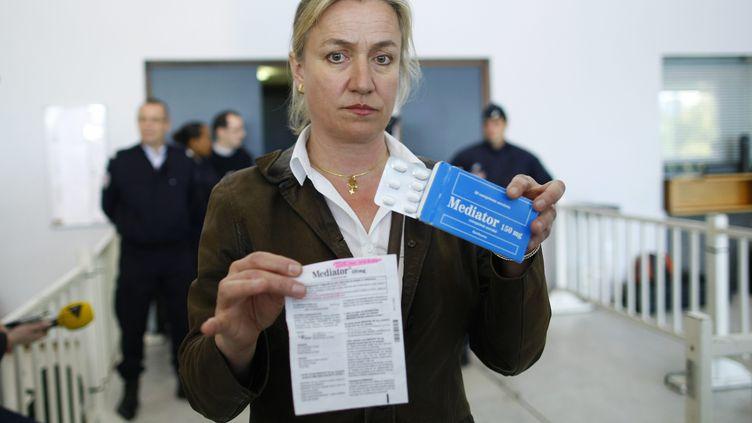Irène Frachon, lors du premier procès pénal dans l'affaire du Mediator, en 2012. (THOMAS PADILLA / MAXPPP)