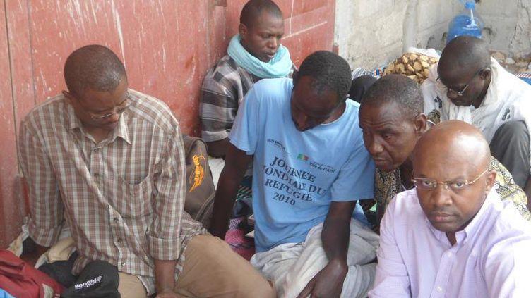 Des réfugiés négro-mauritaniens observent une grève de la faim le 19 juin 2012 à Dakar, au Sénégal, pour dénoncer leur situation insupportable. (Photo/C.O.R.M/Sénégal)