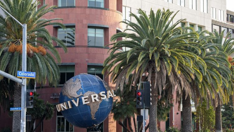 Le siège d'Universal Music Group à Santa Monica, en Californie (Etats-Unis), le 9 février 2021. (VALERIE MACON / AFP)