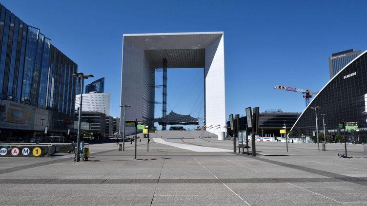 Le parvis de La Défense (Hauts-de-Seine), le 14 avril 2020. (IBO / SIPA)