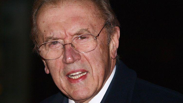 Le journaliste britannique David Frost, ici photographié en 2009, est mort samedi 31 août d'un arrêt cardiaque. (MAX NASH / AFP)