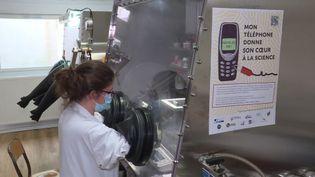 Des chercheurs lorrains recherchent 10 000 téléphones portables, pour mieux les recycler. (CAPTURE D'ÉCRAN FRANCE 3)