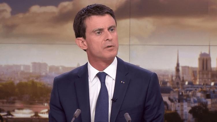 Le Premier ministre, Manuel Valls, sur le plateau de France 2, le 19 novembre 2015. (FRANCE 2)