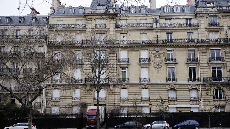 L'hôtel particulier appartenant au fils de Teodoro Obiang, le président de Guinée équatoriale, le 14 février 2012 dans le XVIe arrondissement de Paris. (ERIC FEFERBERG / AFP)