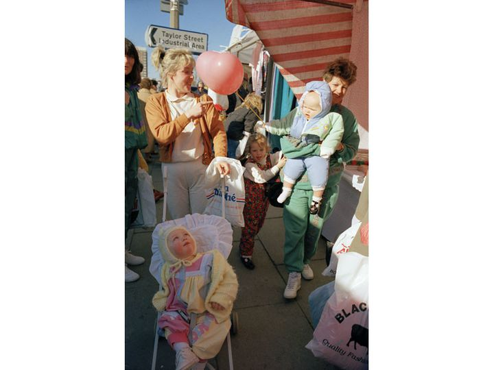 """Tom Wood, """"Jelly Tot Pink [Rose bonbon]"""", 1991. Avec l'aimable autorisation de l'artiste et de Galerie Sit Down  (Rencontres d'Arles)"""