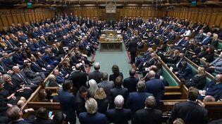 Les membres du Parlement britannique ont observé uneminute de silence, le 18 octobre 2021,en mémoire deDavid Amess. (HANDOUT / PRU / AFP)