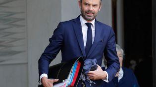 Le Premier ministre, Edouard Philippe, sort de l'Elysée après le Conseil des ministres, le 25 octobre 2017 à Paris. (PATRICK KOVARIK / AFP)