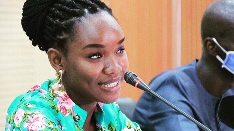 L'étudiante sénégalaise Diary Sow, lors de la présentation de son premier roman à Dakar, en août 2020. (Page facebook de Diary Sow)