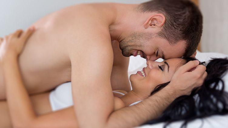 Après une vasectomie, la sensation de l'éjaculation reste inchangée. (Crédit photo : Luckybusiness - Fotolia.com)