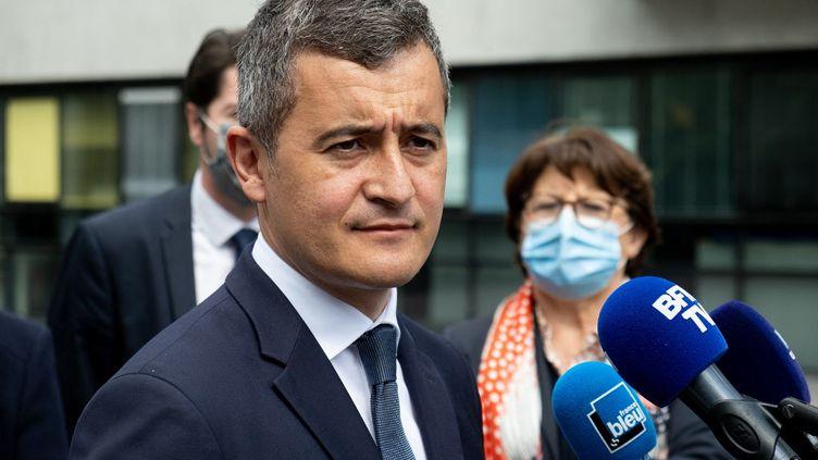 Gerald Darmaninen visite à Lille (Nord), aux côtés de la maire de la ville, Martine Aubry, le 14 mai 2021. (CELIA CONSOLINI / HANS LUCAS / AFP)