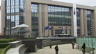 """La Cour de justice européenne statue contre le """"tourisme social"""". (CAPTURE D'ÉCRAN FRANCE 2)"""