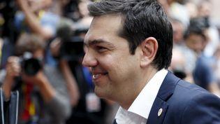 Le Premier ministre grec, Alexis Tsipras, arrive au sommet extraordinaire de la zone euro, le 7 juillet 2015, à Bruxelles (Belgique). (FRANCOIS LENOIR / REUTERS)