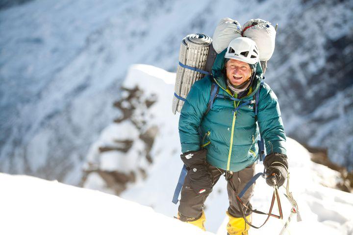 L'alpiniste polonais Tomek Mackiewicz tente l'ascension du Nanga Parbat, au Pakistan, en janvier 2014. (MAXPPP)