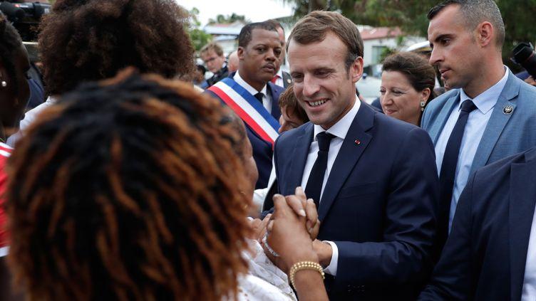 Emmanuel Macron, en visite à Goyave (Guadeloupe), vendredi 28 septembre 2018. (THOMAS SAMSON / AFP)