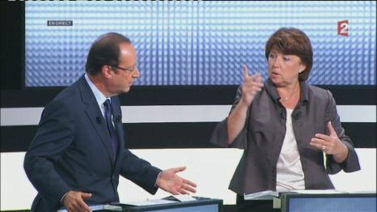"""François Hollande et Martine Aubry sur le plateau de """"Des paroles et des actes, le débat des primaires"""". (FranceTV)"""