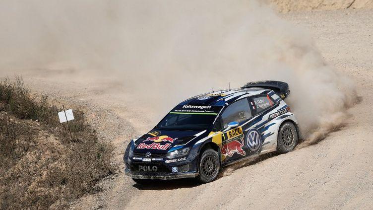 Le pilote français de Volkswagen, Sébastien Ogier, apprécie rouler sur l'asphalte du Rallye de Catalogne. (BASTIEN BAUDIN / AUSTRAL)
