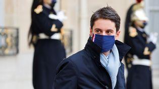 Le porte-parole du gouvernement, Gabriel Attal, le 6 janvier 2021 à Paris. (LUDOVIC MARIN / AFP)