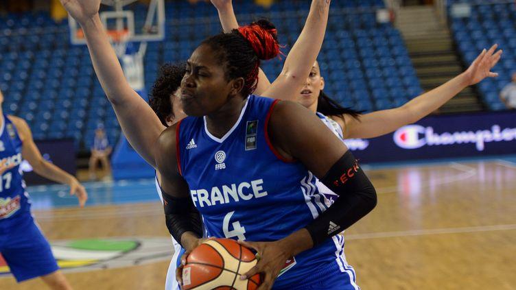 Isabelle Yacoubou et les Françaises se sont inclinées face au Canada (ATTILA KISBENEDEK / AFP)