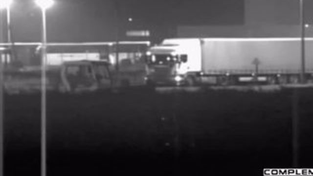 VIDEO. Calais : la bonne fortune des passeurs