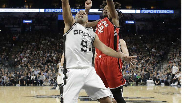 Tony Parker a donné le La à l'attaque des Spurs face à Toronto (ERIC GAY/AP/SIPA / AP)