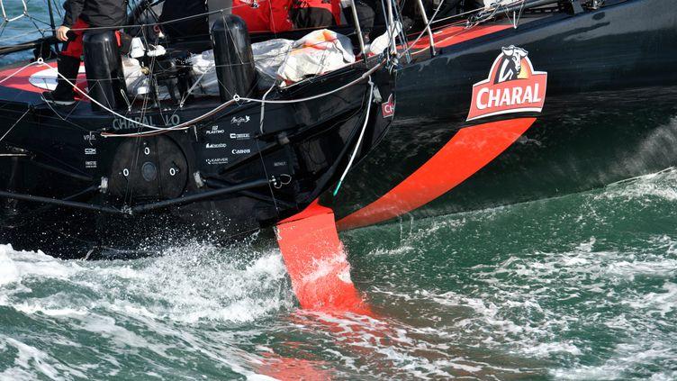 Le skipper Jeremie Beyou de retour aux Sables d'Olonnes pour réparer son safran tribord, le 14 Novembre 2020. (OLIVIER BLANCHET / ALEA)