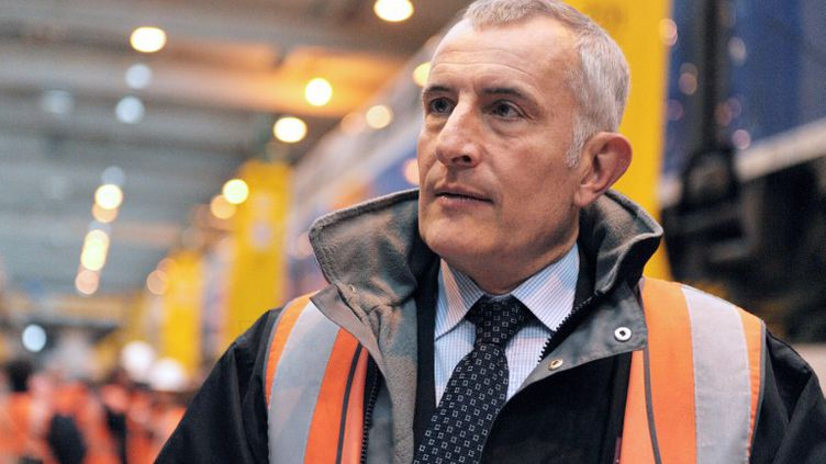 Le président de la SNCF, Guillaume Pépy, dans un centre de maintenance à Pantin (Seine-Saint-Denis), le 1er octobre 2013. (ERIC PIERMONT / AFP)