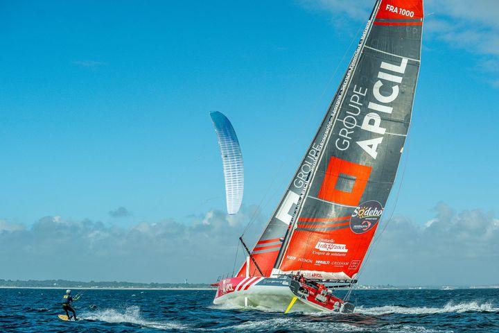 Début du run, le kite vient se replacer près du bateau