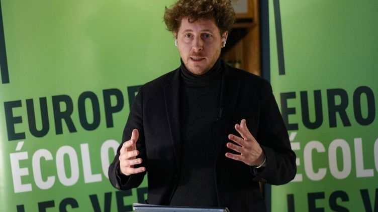 Julien Bayou, candidat EELV aux régionales en Ile-de-France, le 19 janvier 2021 à Paris. (GEOFFROY VAN DER HASSELT / AFP)