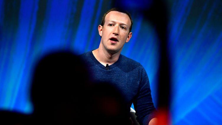 Mark Zuckerberg lors d'une conférence à Paris, le 24 mai 2018. (GERARD JULIEN / AFP)