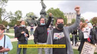 Pour la première fois, des manifestants anti-masques se sont rassemblés dans plusieurs villes de France. Ils demandent le retour à une vie normale. Mobilisations à Paris, Londres et surtout Berlin. (FRANCEINFO)