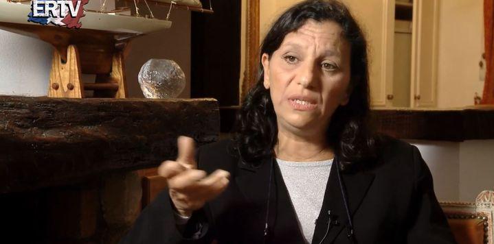 Farida Belghoul s'exprime dans une vidéo diffusée sur le site d'Egalité et Réconciliation, la mouvance d'Alain Soral proche de l'extrême droite. (ERTV / DAILYMOTION / FRANCETV INFO)