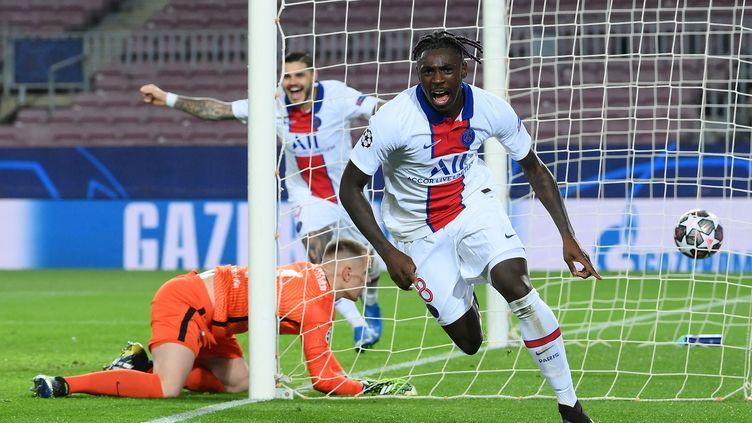 Moise Kean a inscrit le troisième but parisien au Camp Nou, le 16 février 2021. Les trois autres sont l'oeuvre de Kylian Mbappé. (LLUIS GENE / AFP)