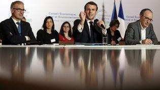 Le président de la République, Emmanuel Macron, lors de sa visite à la Convention citoyenne pour le climat, le 11 janvier 2020 à Paris. (MAXPPP)