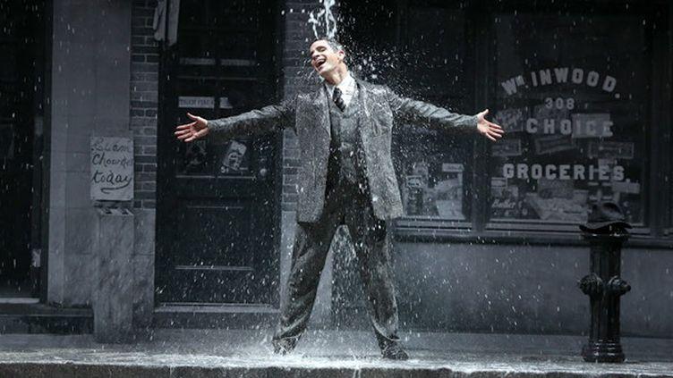 "Dan Burton dans ""Singin' in the rain"" au Châtelet  (Patrick Berger)"