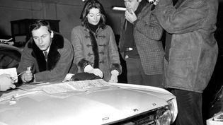 """Sur le tournage de """"Un homme et une femme"""" à Reims en 1965. (UPI)"""