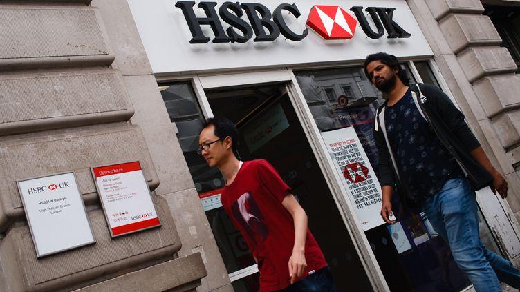 Le géant bancaire britannique HSBC envisage de supprimer 10 000 nouveaux emplois, selon le quotidien Financial Times, lundi 7 octobre 2019. (DAVID CLIFF / NURPHOTO / AFP)