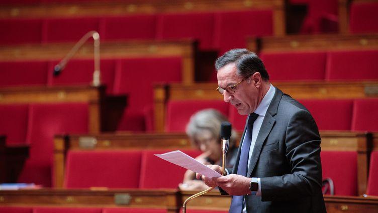 Yannick Favennec à l'Assemblée nationale, le 4 mai 2016. (AURELIEN MORISSARD / MAXPPP)
