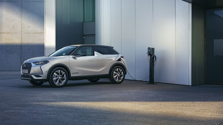 Une voiture électrique. Photo d'illustration. (WILLIAM CROZES POUR FRANCE INFO)