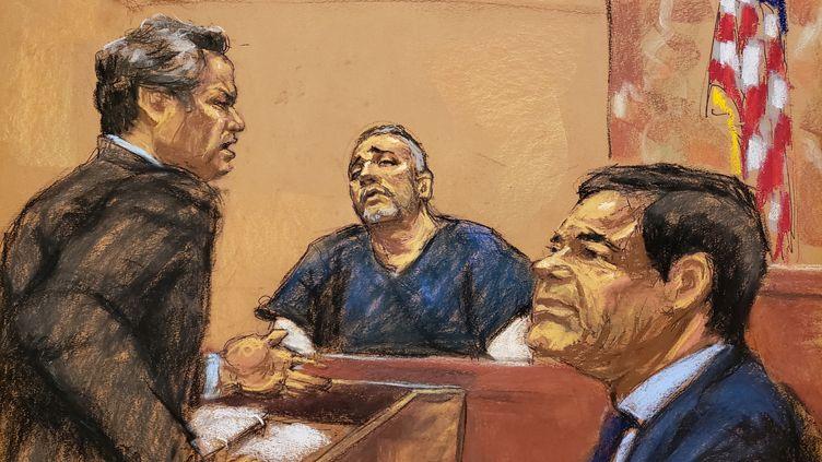 """L'avocat de la défenseJeffrey Lichtman interrogeAlex Cifuentes, narcotrafiquant colombien etancien bras droit dunarcotrafiquant mexicainJoaquin Guzman, alias """"El Chapo"""" au procès de ce dernier,le 15 janvier 2019 à New York (Eatts-Unis) (JANE ROSENBURG / REUTERS)"""