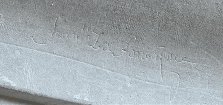 Jean de La Fontaine aurait peut-être inscrit son nom sur l'un des murs du Château du Chambord. Ce graffiti doit être authentifié  (France 3)